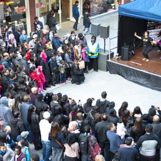 KBM with crowd
