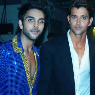 Karan Singh Pangali with Hrithik Roshan at IIIFA Awards